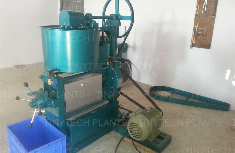 Groundnut Mini Oil Mill - Rangpar, INDIA